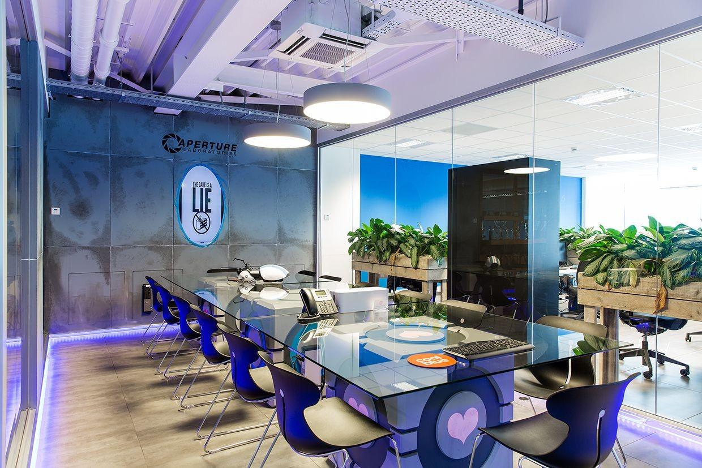Companion Cube Papercraft Portal Aperture Laboratories themed Fice Conference Room