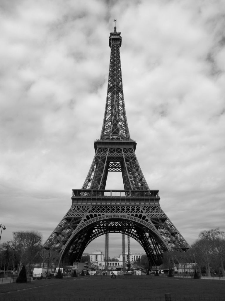 Eiffel tower papercraft eiffel tower black and white live to travel pinterest printable papercrafts printable papercrafts