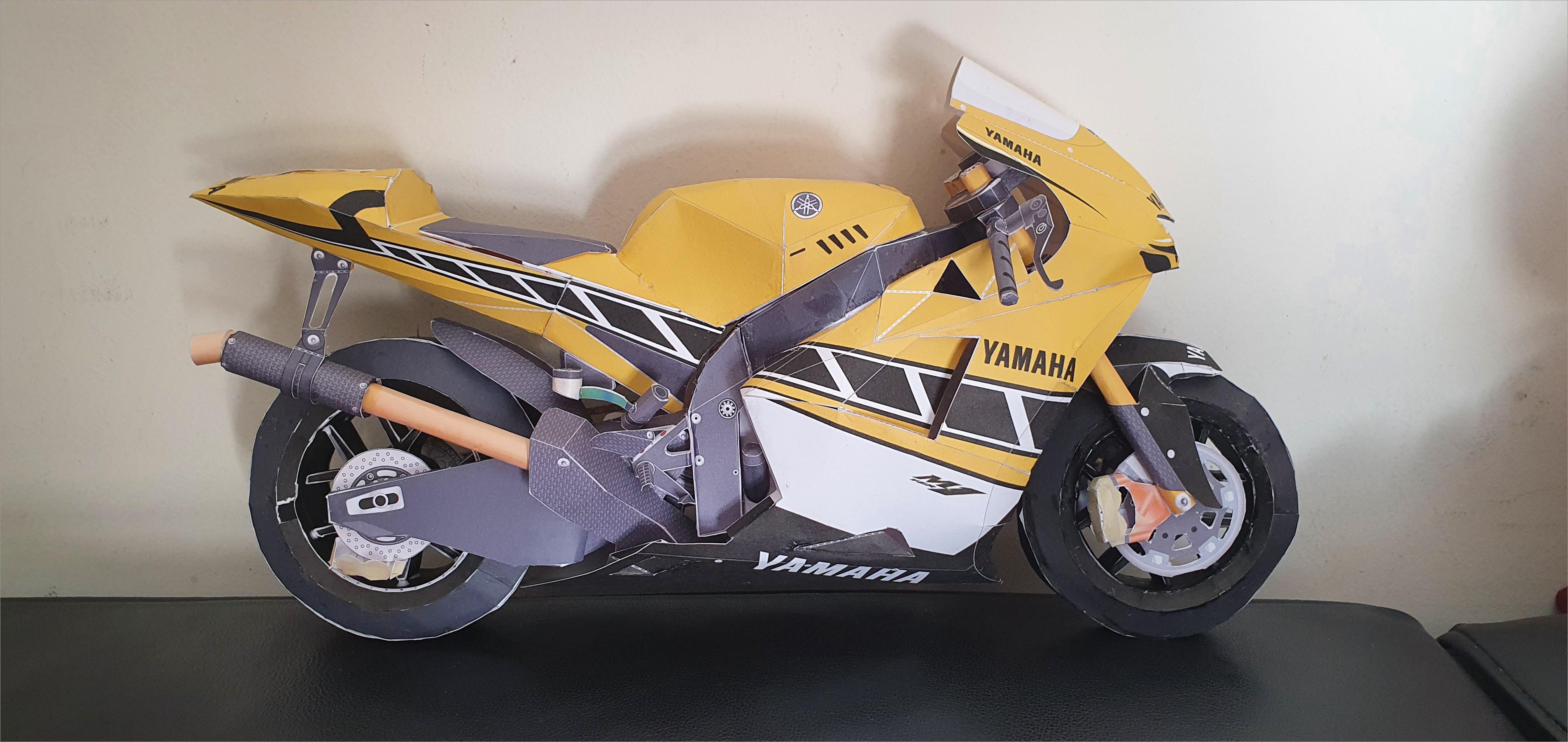 Motorcycle Papercraft Yamaha Yzr M1 Papercraft