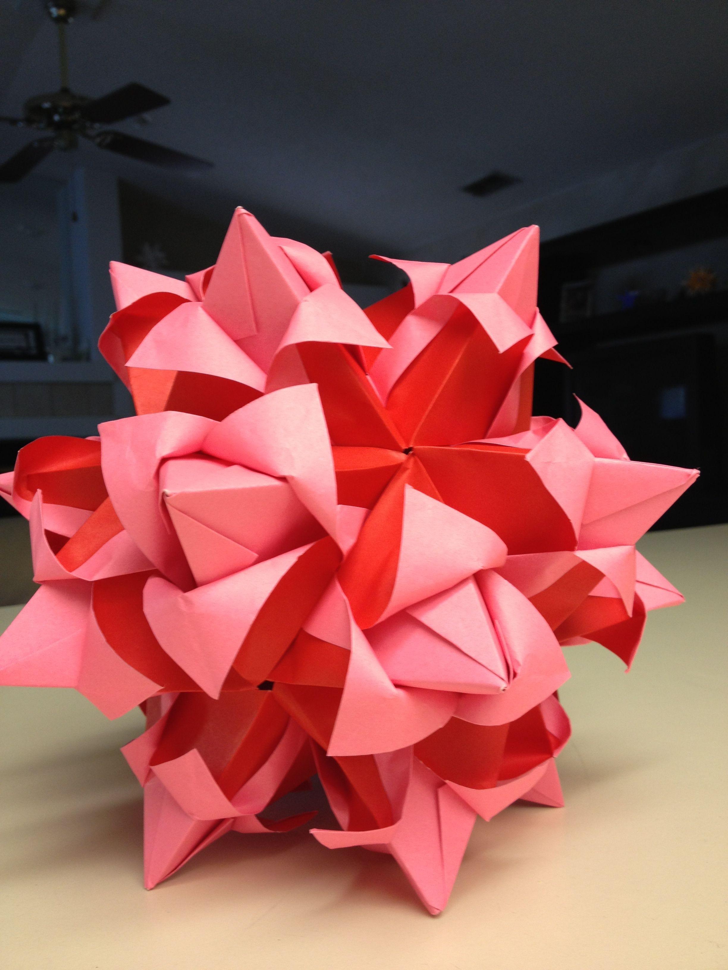 Papercraft Ball Blooming Star Tulip Kusudama