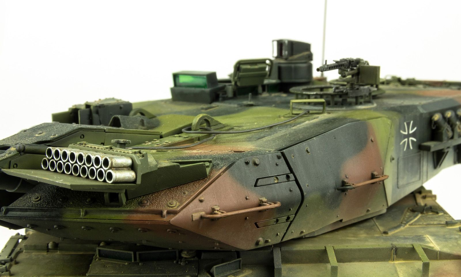 """Papercraft Tank the Modelling News Done and """"dusted"""" andy Finishes Meng S 35th"""