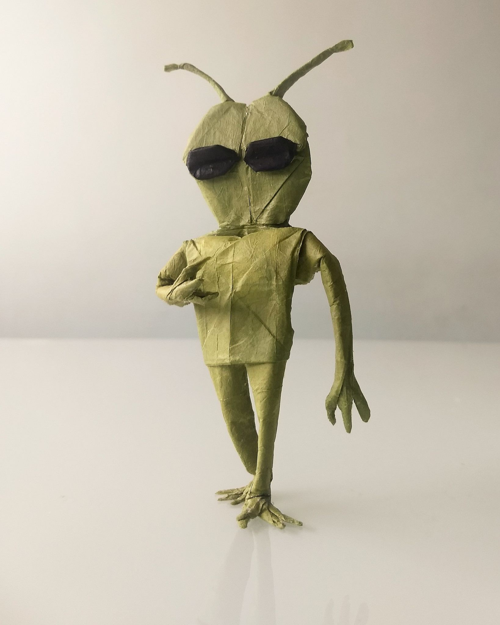Sci Fi Papercraft Alien Damian Malicki Thai Unryu 30x30cm